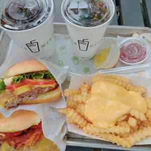 外苑前駅【シェイクシャック(Shake Shack)】のハンバーガー