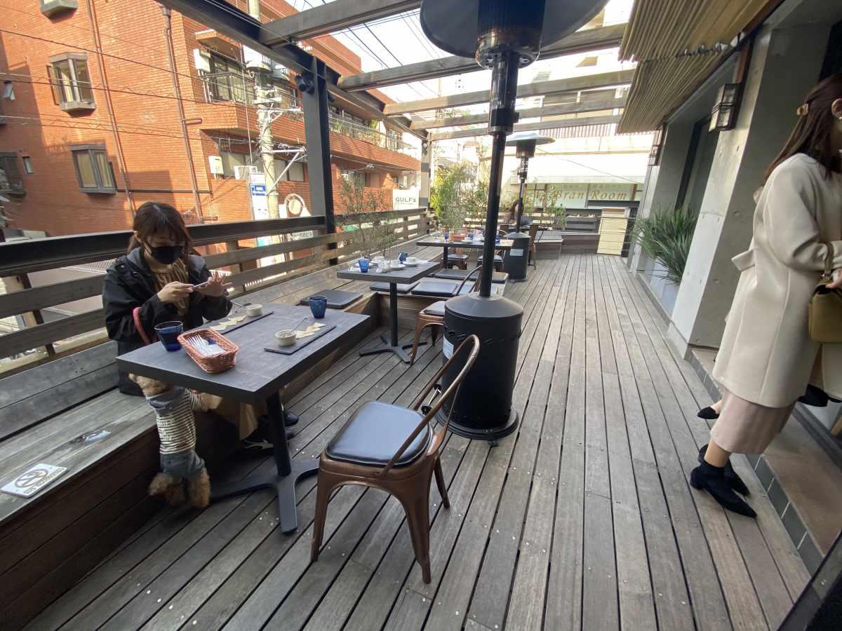 自由が丘 GULF's transit table(ガルフス トランジット テーブル)のテラス席