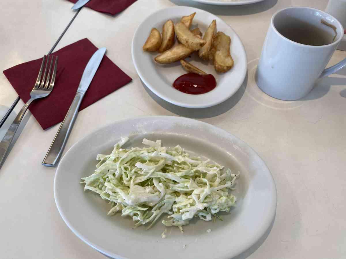 バワリーキッチンのランチセット、コールスロー&ポテト