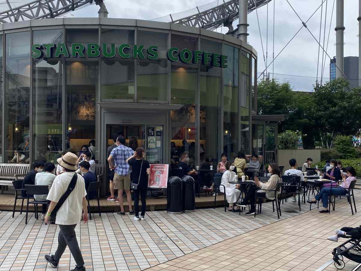 東京ドームシティーのLaQuaのスターバックスコーヒー