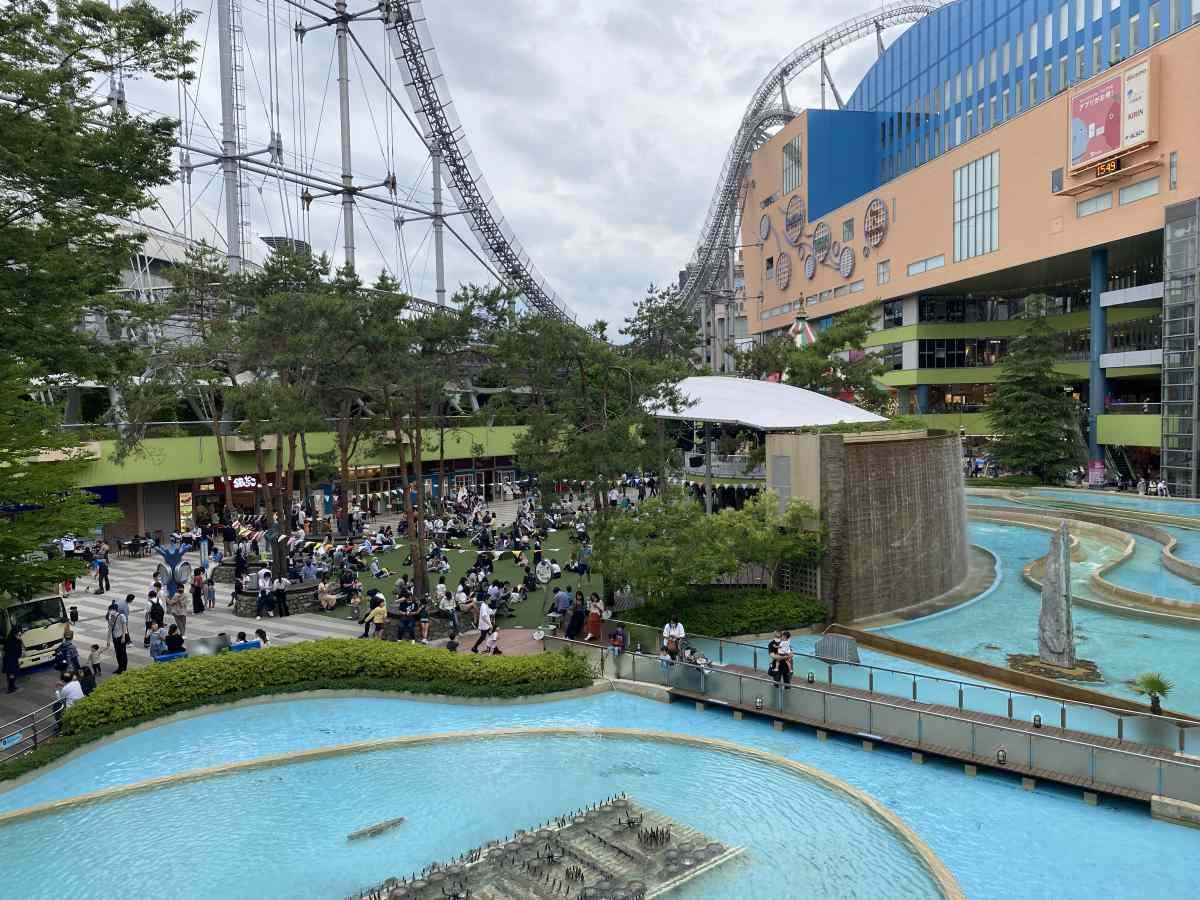 東京ドームシティーのLaQuaの雰囲気