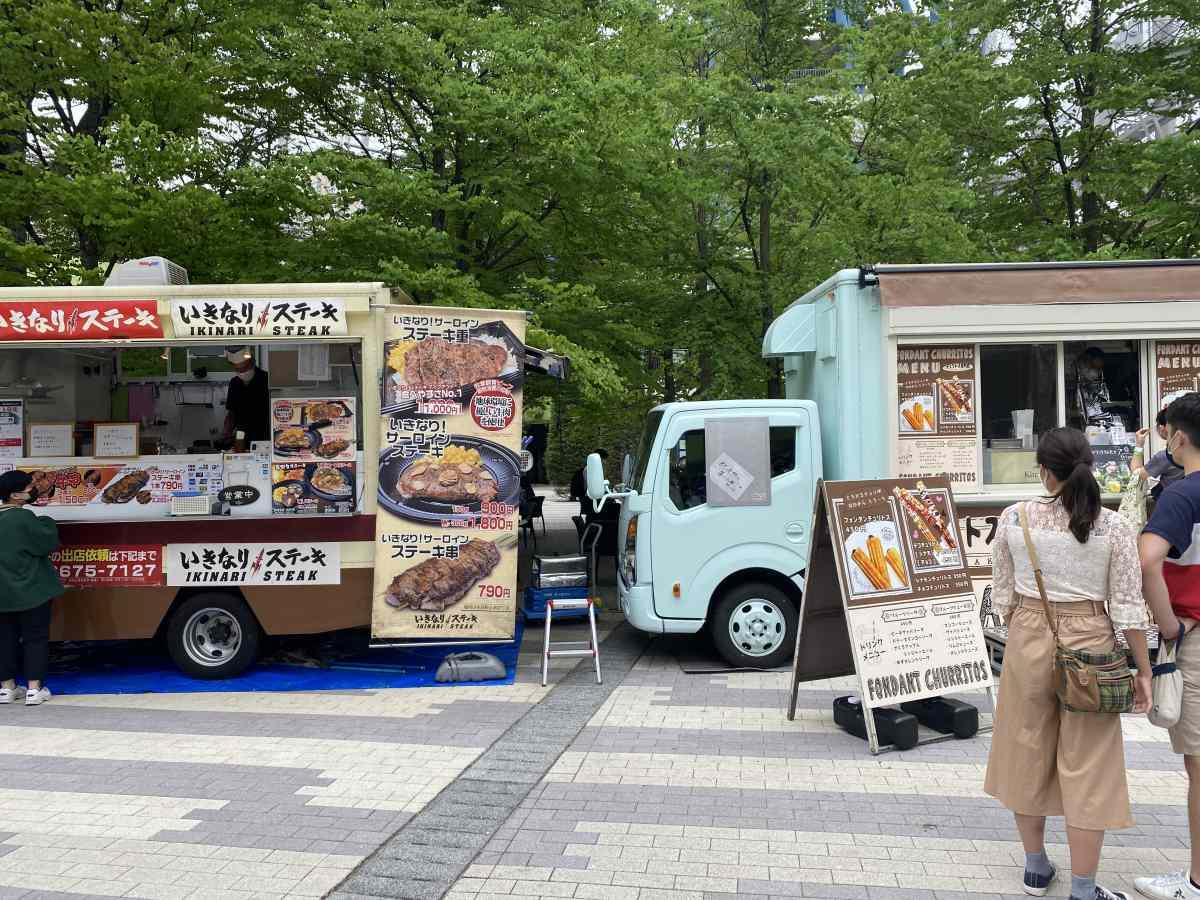 東京ドームシティーのキッチンカー、いきなりステーキ
