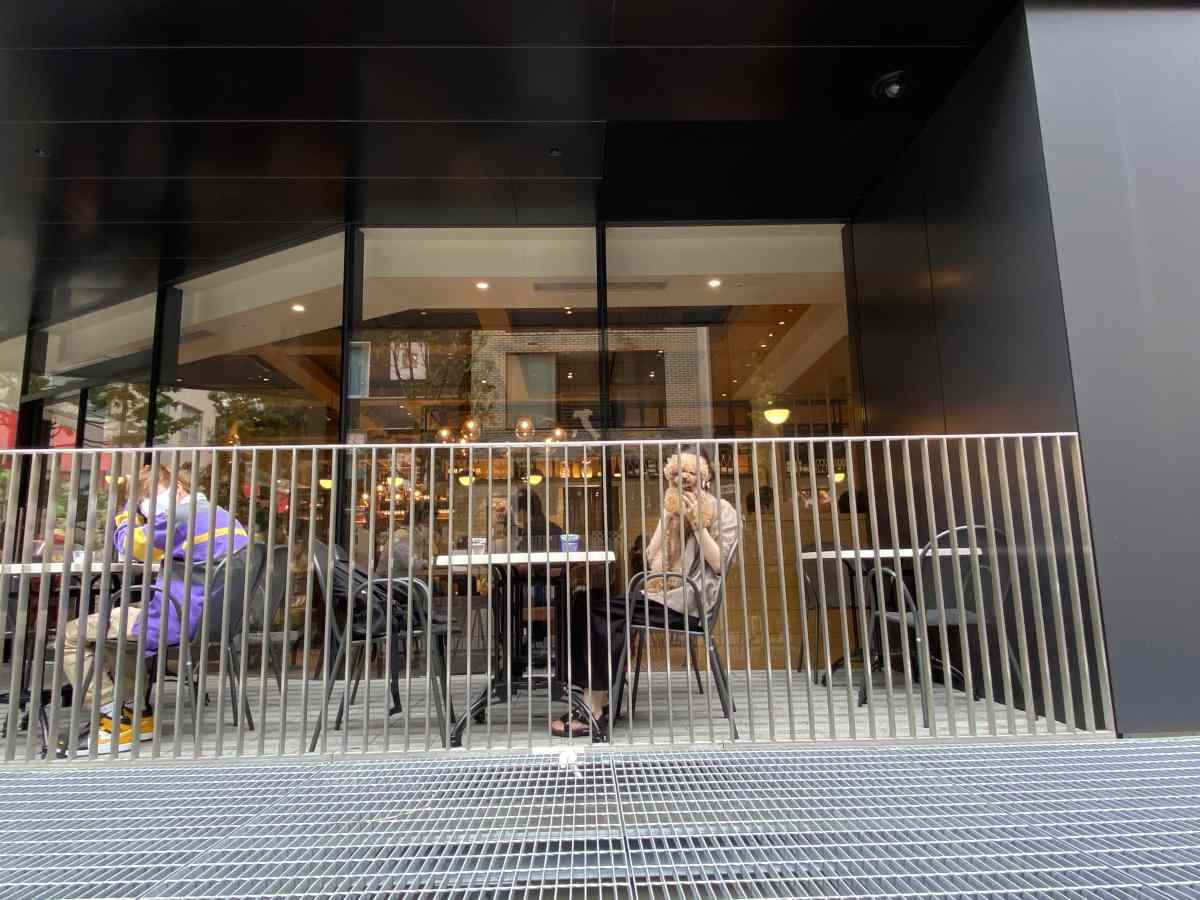 ペッシェドーロ(ハレザ池袋店)のテラス席